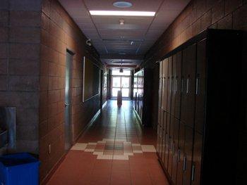 hallway_350-1cix25e